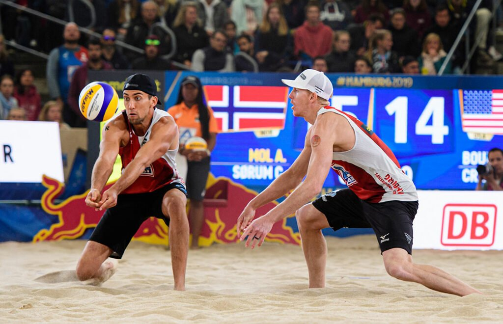 Bourne/Crabb Move into Qualifier in Cancun